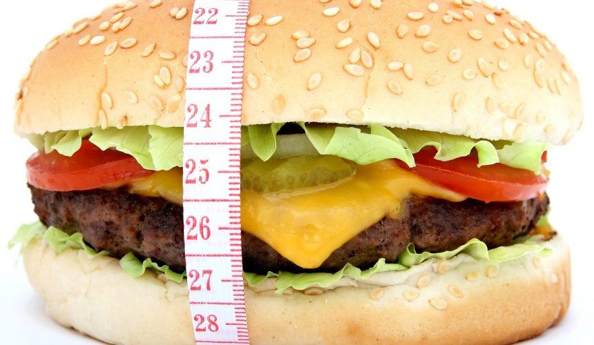 Czym różni się zaburzenie z napadami objadania się od uzależnienia od pożywienia?